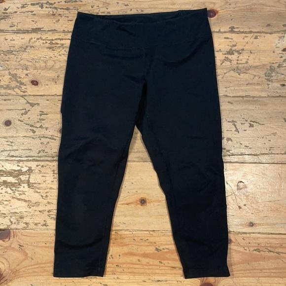 Zella Black 3/4 Crop Yoga Pants